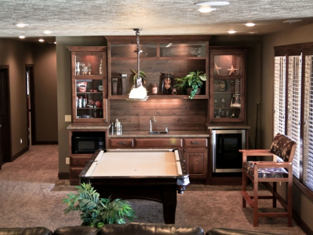 Custom Wood Mini Wet Bar