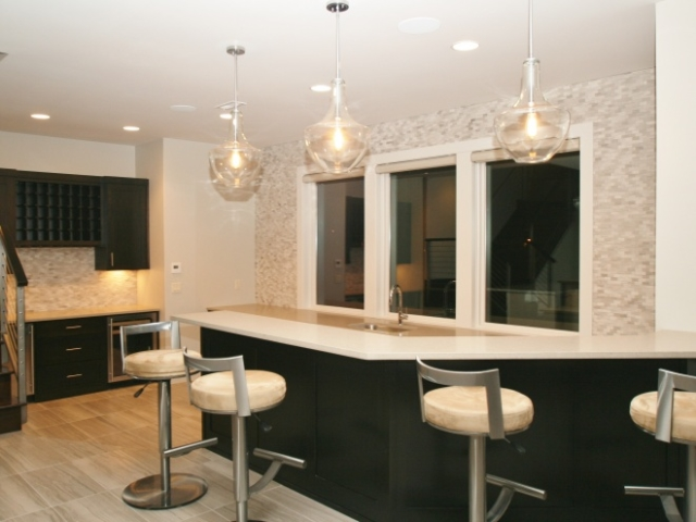 Modern Large Wet Bar View 2